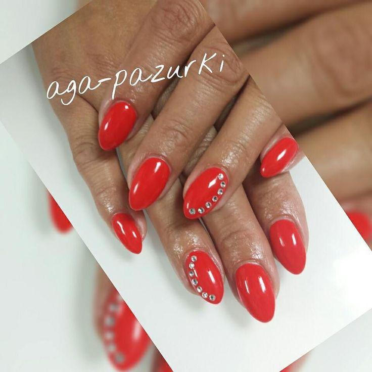 żelki   #nails #nailpro #manicure #lovely #cutie #instastylist #style #foto #nail2inspire #nails4yummies #indigonails #artnails #scra2ch #polishwoman #nägel #polishgirl #mypassion #mywork #mylife #nailswag #swarovskicrystals #blogger #rednails #gelpolish #instanails #nailobsession #uvgel by aga_pazurki_nails