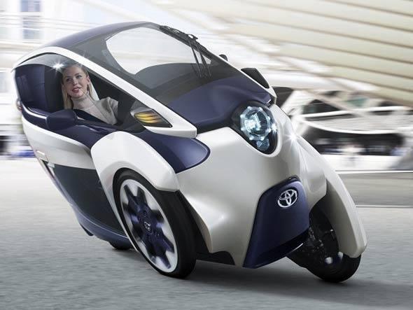 O Toyota iRoad é totalmente elétrico e inclina nas curvas como uma moto