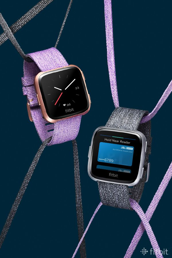 How to change my fitbit versa to military time