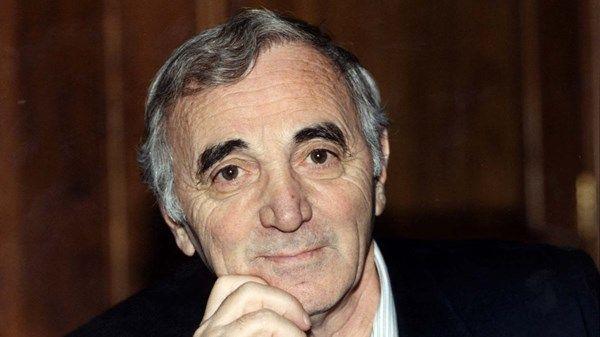 Charles Aznavour Shahnourh Varinag Aznavourián Baghdassarian París 22 De Mayo De 1924 Mouriès 1 De Octubre De 2018 Nació En Paris De Padres Armenios C