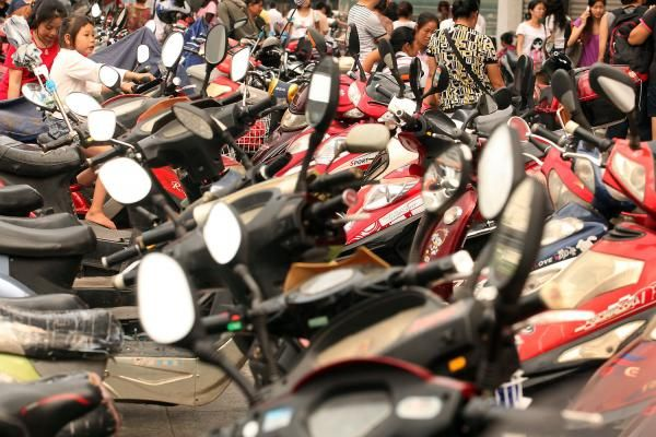 Hanoi lawmakers have voted to place a blanket ban on motorbikes by 2030 to reduce traffic congestion, despite opposition from the public.