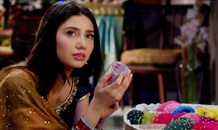 Mahira Khan as Saba in 'Bin Roye'. Bin Roye #CinemaofPakistan