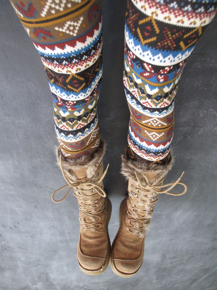 i think i could live in these leggings / tights / boots for winter and fall. Love the pattern.