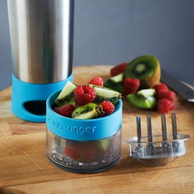 Aqua Zinger: waterfles met blender
