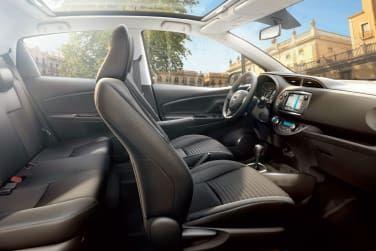 Toyota Yaris Hybrid Interior - Currie Motors