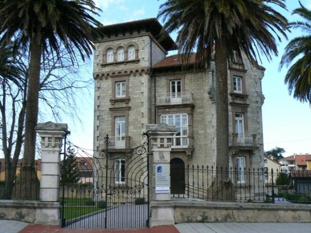 Biblioteca de Colombres http://www.bibliotecaspublicas.es/ribadedeva/index.jsp