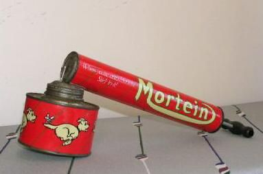 "Old Mortein Fly Sprayer Australian Icon Famous Advert Early Australian ""Weapon Of Mass Destruction""!! Feared by ""Louie the Fly""!! When this flit gun was used, the slogan ""When you're on a good thing (to Mortein), stick to it"" was in vogue"