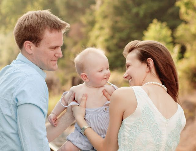 small family posing, 6 six month pictures, www.Lisa-Marie-Photography.com