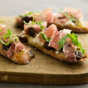 Curtis Stone's Holiday Party Appetizer Recipes and a Drink  (Access Hollywood Live)