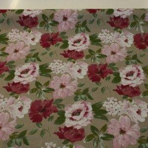 http://www.radicifabbrica.it/prodotto/tessuto-tovaglie-puro-lino-dis-fiori/   Tessuto tovaglie lino puro 100%, con fondo ecru, fantasia a disegno fiorato sulle tonalità del rosa.  Questo tessuto tovaglie lino è alto cm 140; il prezzo di Euro 24.00 si riferisce al metro lineare.