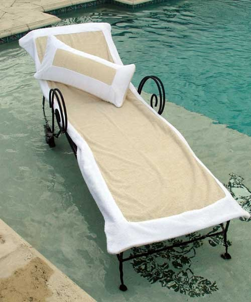 Towels for lounge chairs hotel gomez pinterest for Chaise lounge beach towels