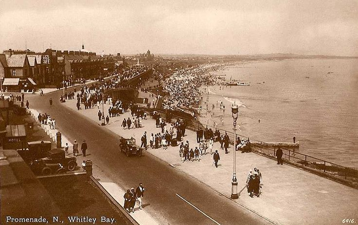 antique seaside picture | Northumberland, Whitley Bay, North Promenade showing Vintage Cars 1930 ...