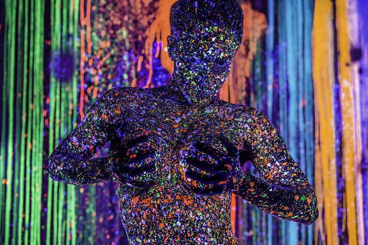 A explosão de cores em fotos capturadas com tinta fluorescente