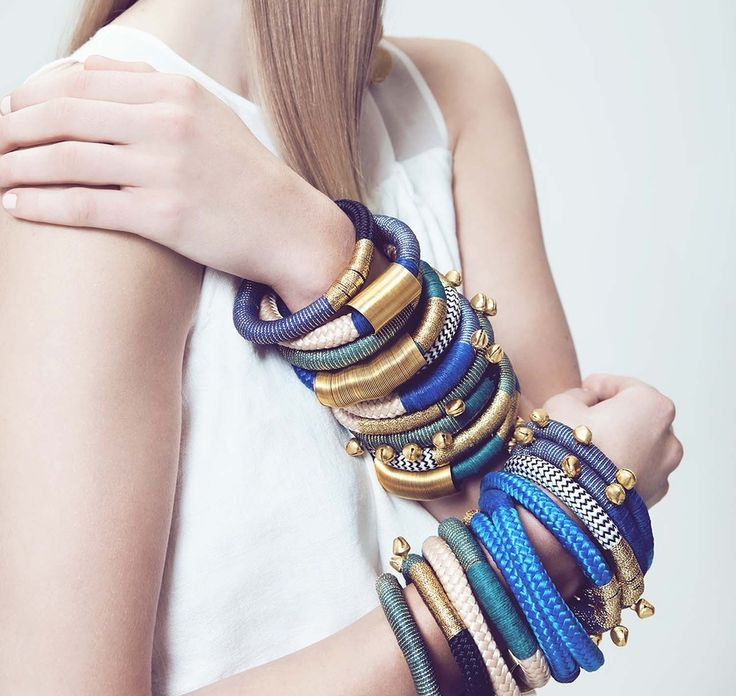 Coulorful bracelet by Pichulik