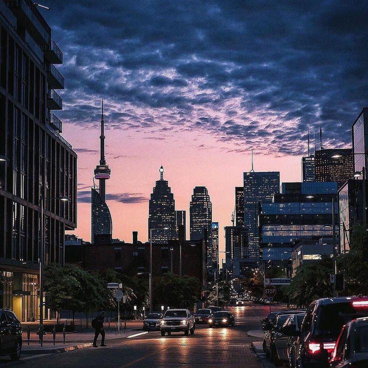 And to all a good night. #Toronto #SeeTorontoNow Photo: @juluminate