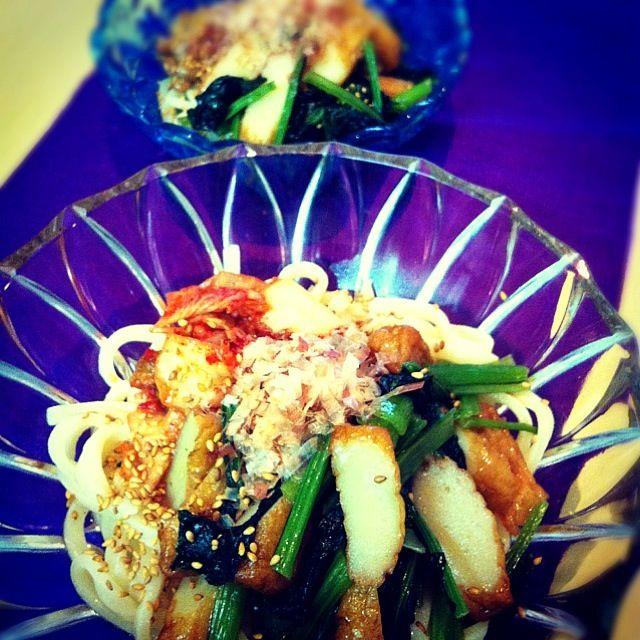 煮浸しで和定食にするはずが…炊飯器のスイッチ押し忘れ…Σ(゚д゚lll)急遽うどんにのせてみたら✨以外と美味しいo(^▽^)o その他…私はキムチ 娘は…納豆をトッピングしてみました。 - 51件のもぐもぐ - 有機小松菜の煮浸しうどん by tayuko