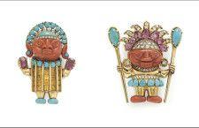 Spille di Tiffany isegnate nel 1967 da Donald Claflin come figure precolombiane, con copricapi in tormalina rosa a forma di pera, abito da cerimoniale in citrino a taglio rettangolare, con le facce di corallo intagliato e piedi di turchese