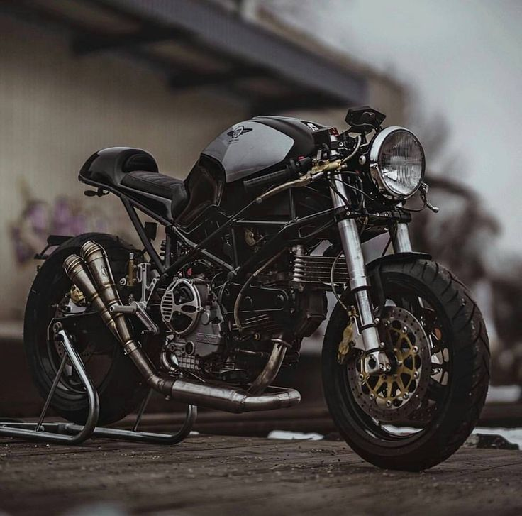 "2,378 Likes, 3 Comments - The Caferacer World (@caferacer_world) on Instagram: ""Check out ❗@bikersequipment ❗ Taken from: @pege78 Tag our page #caferacer_world …"""