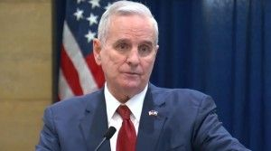 Dayton Demands Light Rail Expansion Governor Mark Dayton made himself crystal clear this week, telling top Republicans in the State House and Senate he wants measures that could kill Metro Southwest Light Rail expansion taken out of a potential transportation funding bill. Dayton says if a bill reaches his desk with those... http://www.redrivervalleynews.com/thief-river-falls-news/dayton-demands-light-rail-expansion/