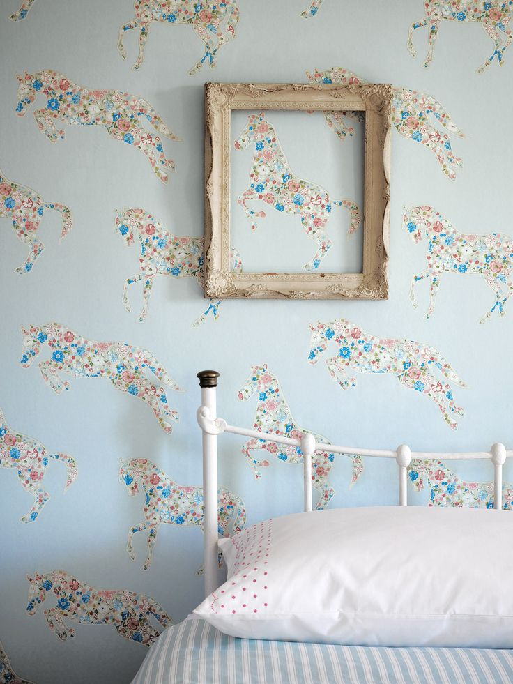 Playful wallpaper
