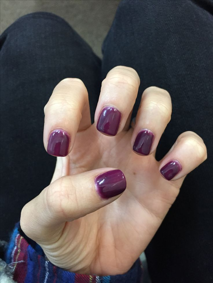 Plum and done. Gelish nails 417