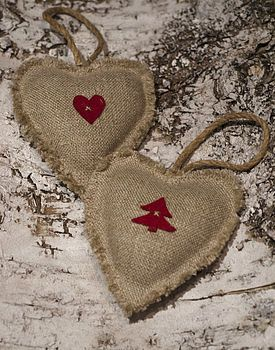 Burlap Christmas hearts! Or any time of year when you want to spread country love!