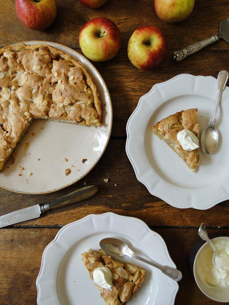 apple marzipan tart