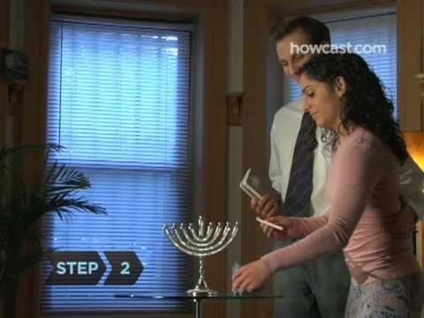 The correct way to Light the Hanukkah Menorah (Hanukkah starts tonight 12/20 at sundown)
