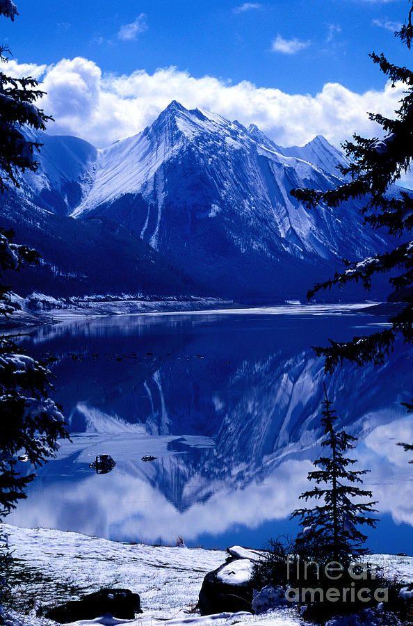 Jasper National Park - Medicine Lake - Alberta, BC Canada