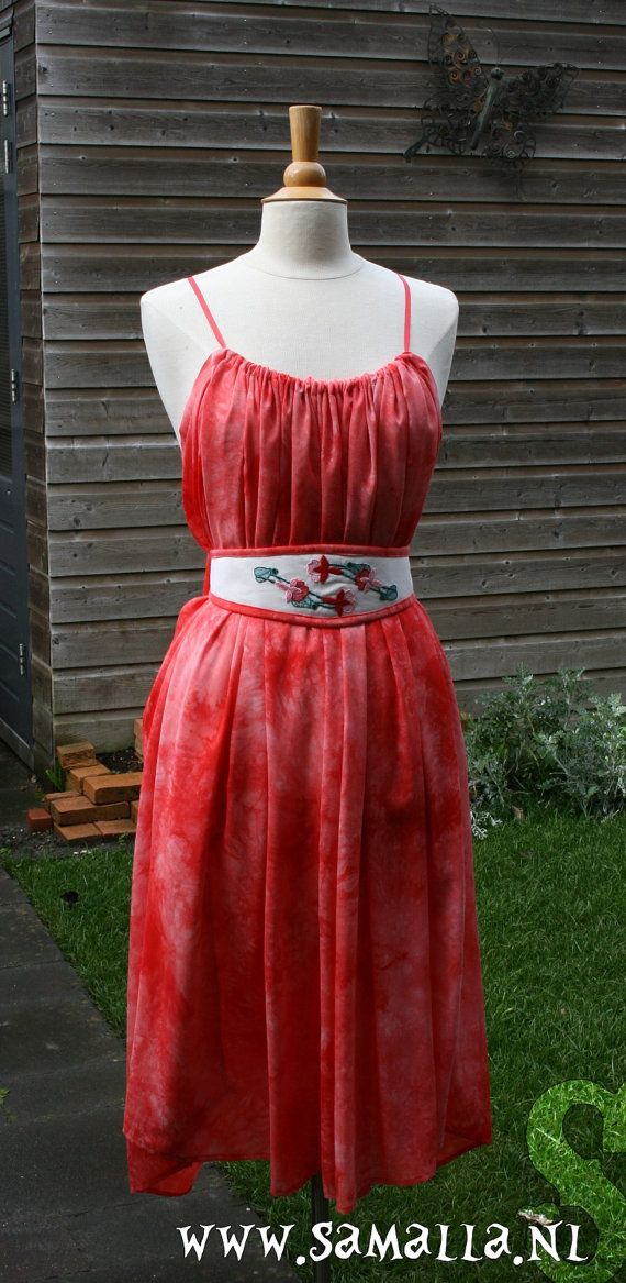 Shae kneelength Dress in Red Tie Dye Mousseline Boho by SamallaNL