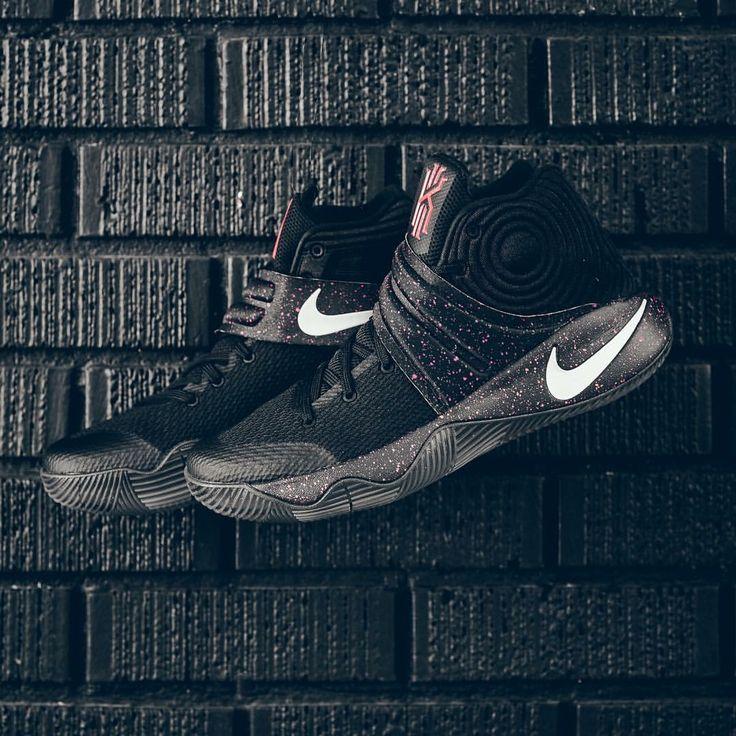 Nike Kyrie II Blackout
