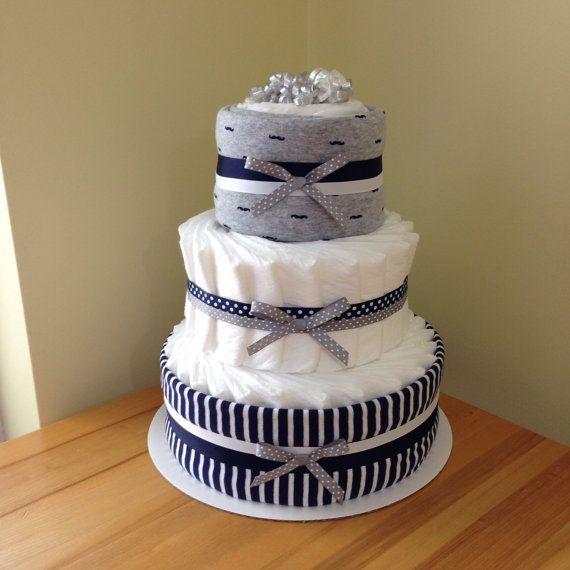 torta di pannolini di tier 3 baffi blu navy/grigio
