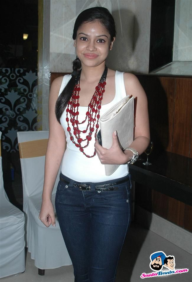 Hot Sumona Chakravarti Image 14261 - more at http://modell.photos Topmodel Catwalk 2014 Fashion @modell.photos