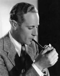 Leslie Howard. One of the most grossly underrated actors of all time. Without him: we wouldnt have Humphrey Bogart or Ingrid Bergma in Amercan cinema.