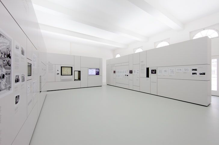 Hannes Bierkämper – Memorial Hall for the victims of the Nazi era, in Oberhausen Castle, Oberhausen, 2007 - 2010