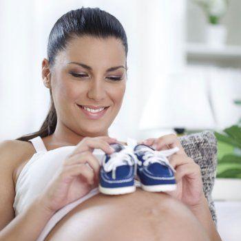 Si quieres quedar embarazada de un niño o tener un varón debes mantener relaciones sexuales lo más cerca posible del día de la ovulación, es decir, 24 horas antes o 24 horas después del día más fértil.