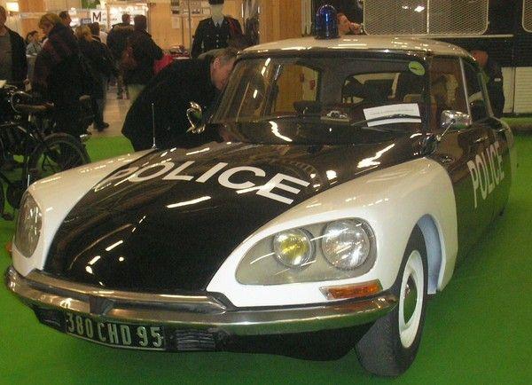 Citroën DS (France) ▓█▓▒░▒▓█▓▒░▒▓█▓▒░▒▓█▓ Gᴀʙʏ﹣Fᴇ́ᴇʀɪᴇ ﹕☞ http://www.alittlemarket.com/boutique/gaby_feerie-132444.html ══════════════════════ ♥ #bijouxcreatrice ☞ https://fr.pinterest.com/JeanfbJf/P00-les-bijoux-en-tableau/ ▓█▓▒░▒▓█▓▒░▒▓█▓▒░▒▓█▓