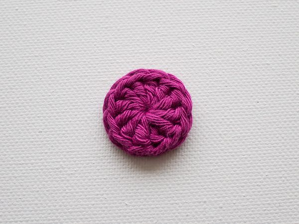In this tutorial we'll be making some cute and easy crochet buttons. The pattern uses US terms and stitches include double crochet (dc); chain (ch); and a magic ring.   Supplies   Yarn in a...