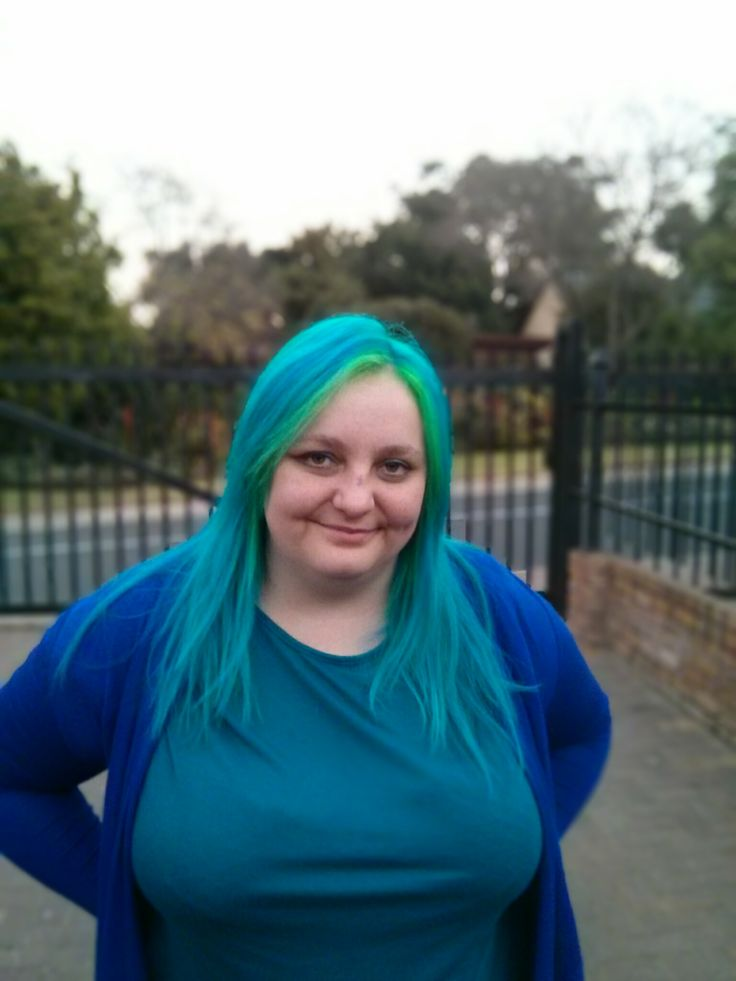 Mermaid hair! Atomic Turquoise from Manic Panic with henna dye for the rest