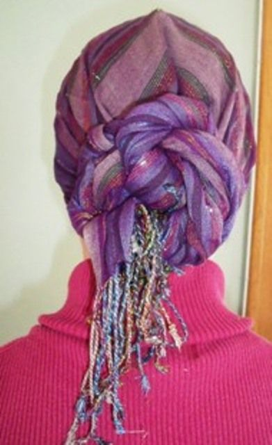 scarf tying Maybe this would be a good head covering this winter for bible studies!!