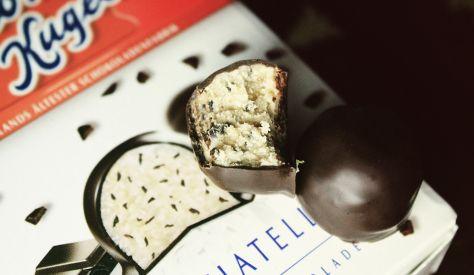 Original Halloren Kugeln Stracciatella -  Original Halloren Kugeln mit 83% Stracciatella-Creme in 17% Zartbitterschokolade