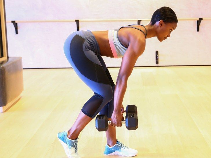 Lauren-Williams-staggered-deadlift.jpg