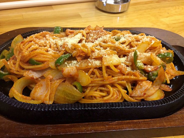 ナポリタン spaghetti Napolitana #meatlessmonday via @aikozz