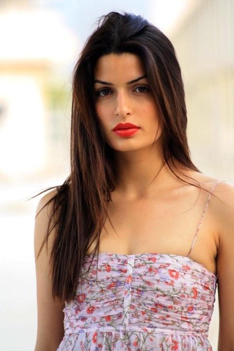 67 besten BOND GIRLS Bilder auf Pinterest | Bond girls, James bond ...