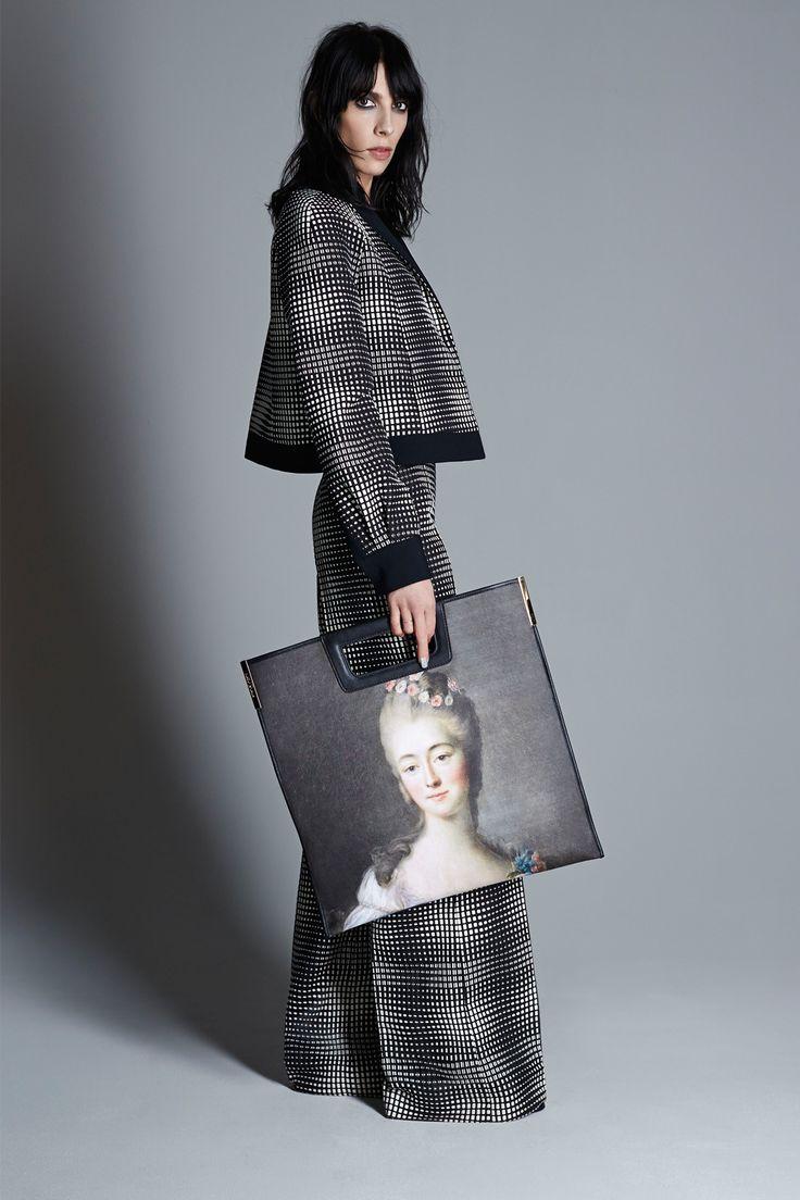 Emanuel Ungaro RESORT 2015 womenswear fashion show photo gallery.