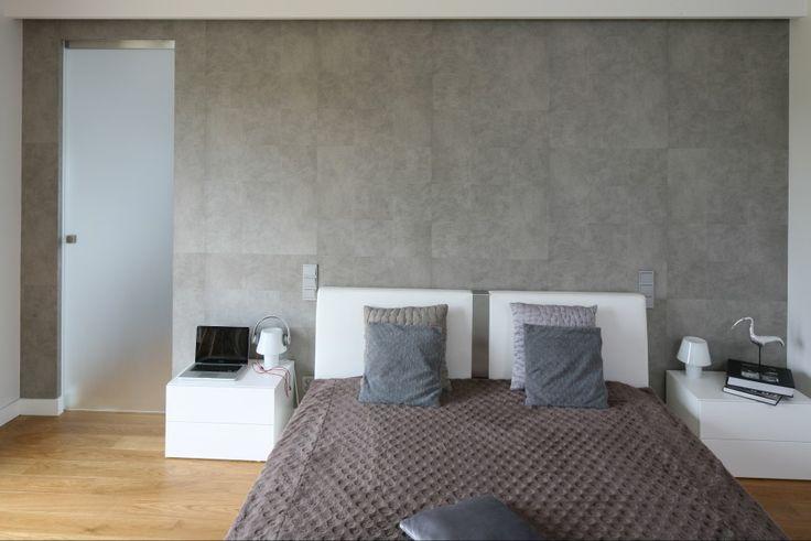 Pomysł na ścianę w sypialni: efekt betonu  - zdjęcie numer 2