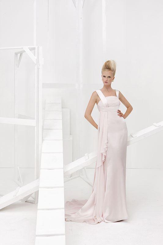 Collezione Vision 2014 - Elisabetta Polignano: abito da sposa lungo con sfumature rosa con drappeggi eleganti #wedding #weddingdress #weddinggown #abitodasposa #minidress