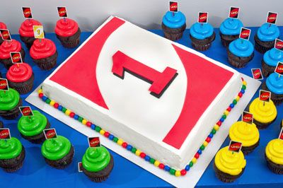 Uno Card Game Cake  I'd love to see a +4 cake...