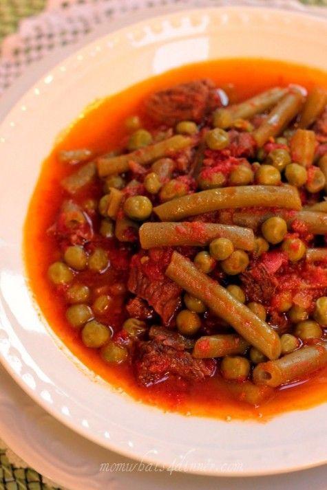Mediterranean Style Green Bean Stew- Taze Fasulye on http://momwhats4dinner.com/mediterranean-style-green-bean-stew/