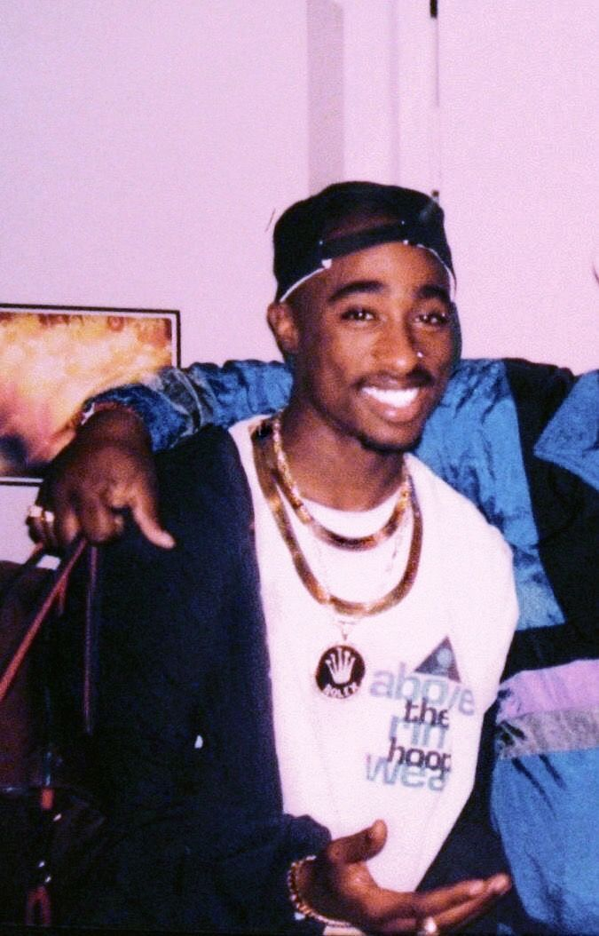 Pin by a 👑💙 on da goat ++ (With images) Tupac pictures
